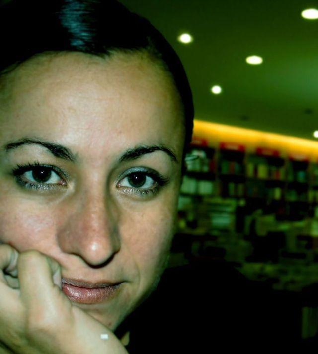 """Cecilia Magaña presenta en la FUL 2014 su galardonado libro de cuentos """"La Cabeza Decapitada"""", que sirvió de base para otro nuevo premio, ahora en novela."""