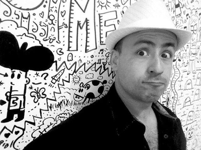 """Ricardo Cucamonga, artista gráfico originario de Ciudad Obregón, Sonora, crea el personaje Cindy la Regia desde la vida real.  Ricardo Cucamonga presentará a Cindy, """"una niña tipo bien"""", a través de dos publicaciones"""