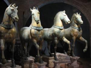 Los caballos de San Marco en el interior de la Catedral. Los que se ven en la fachada son una copia de éstos. Venecia.