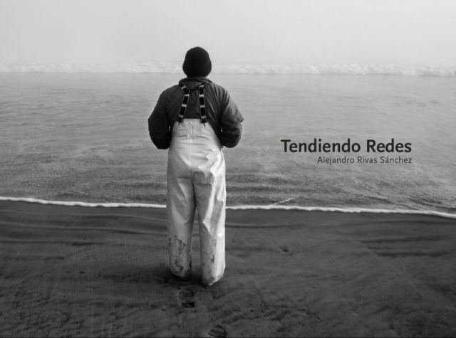 """Portada del libro """"Tendiendo Redes"""" de Alejandro Rivas."""