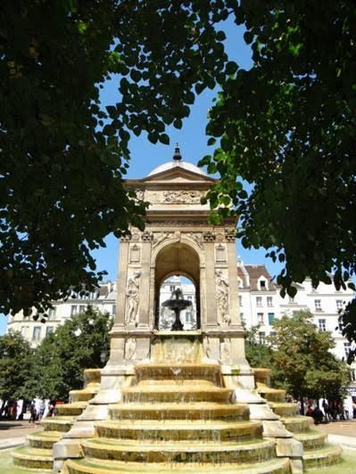 La Fuente de los Inocentes, París.